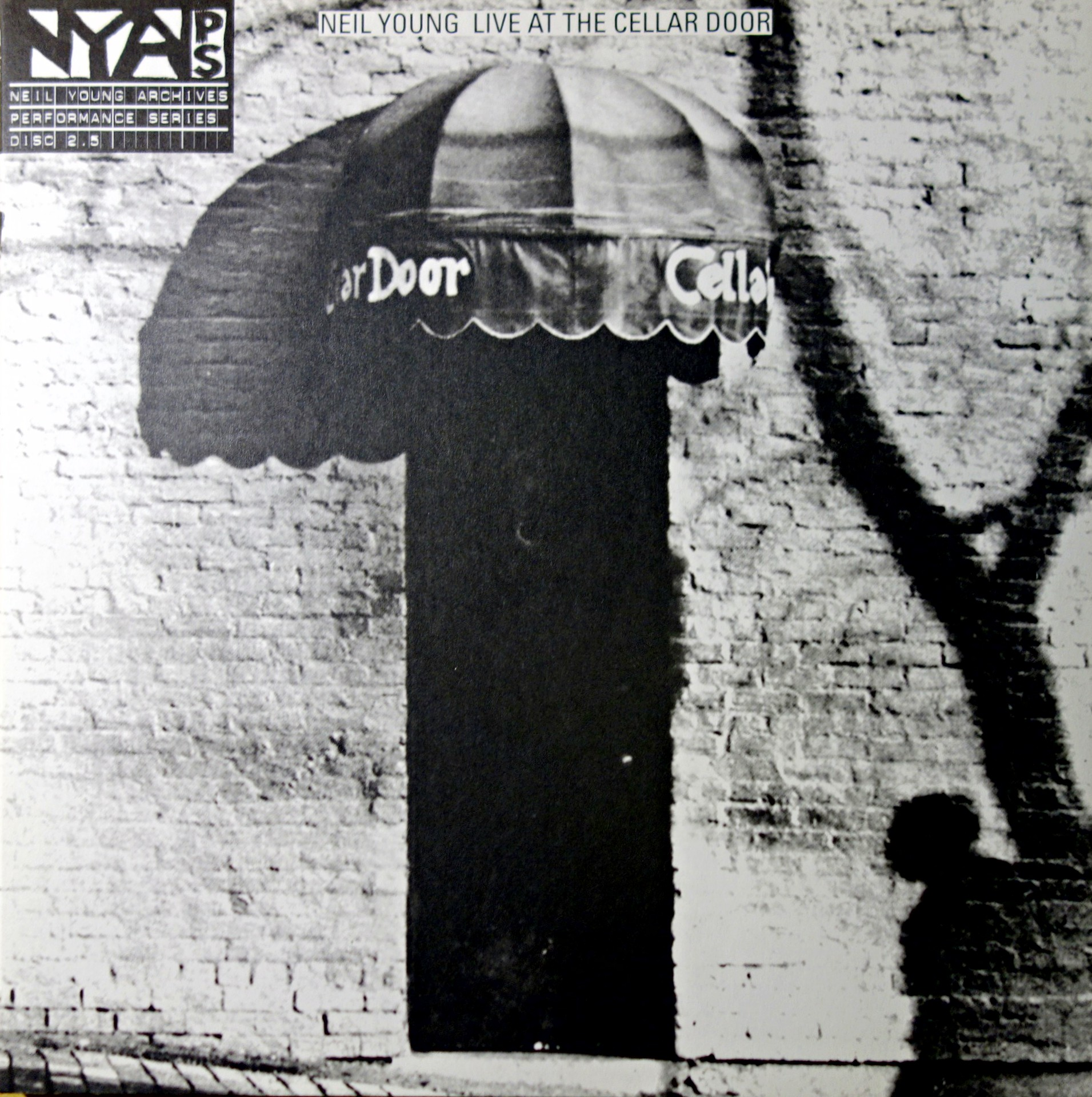 LP Neil Young ‎– Live At The Cellar Door